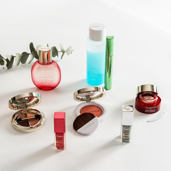 Concours Gagnez Toute La Collection De Maquillage Automnal De Clarins, D